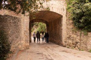 visita-girona-medieval-portal-sant-cristófol