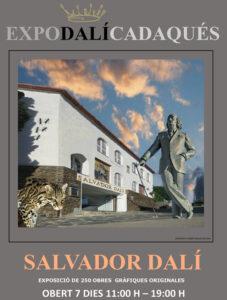 poster promocional de la expo Dalí: la estatua de Dalí, un guepardo y el edificio blanco de la Expo Dalí
