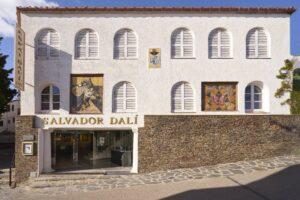 frontal de Expo Dalí en Cadaqués